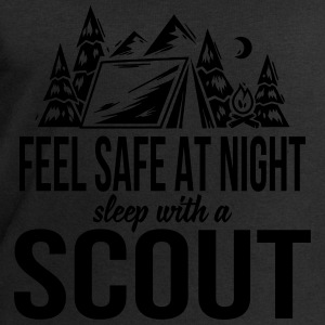 Feel safe at night, sleep with a scout Tops - Männer Sweatshirt von Stanley & Stella