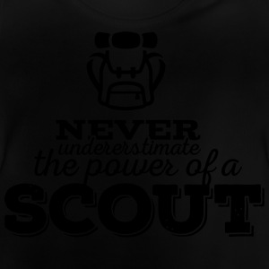 Never underestimate the power of a scout Camisetas - Camiseta bebé