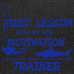 First Lesson - Motivation Trainer Magliette - Snapback Cap