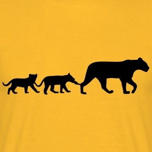 Lioness and lion cubs Tops - Men's T-Shirt
