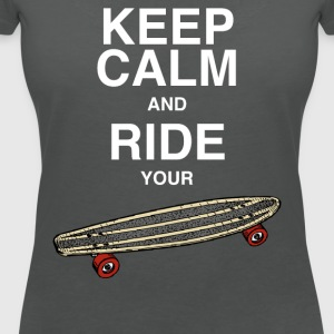 Tanktop Keep calm and ride your board - Frauen T-Shirt mit V-Ausschnitt