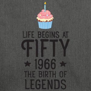Life Begins AT Fifty...(Cupcake) T-shirts - Schoudertas van gerecycled materiaal