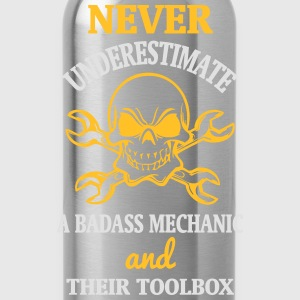 NEVER UNDERESTIMATE A MECHANIC TOOL Shirts - Water Bottle