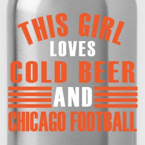 girl cold beer chicago T-Shirts - Water Bottle