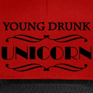 Young drunk unicorn T-skjorter - Snapback-caps