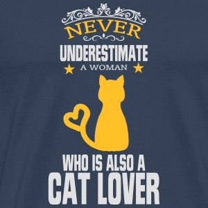 NEVER UNDERESTIMATE A WOMAN WHO LOVES CATS! Long sleeve shirts - Men's Premium T-Shirt
