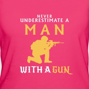 UNDERESTIMATE NEVER A MAN AND HIS GUN! Bags & Backpacks - Women's Organic T-shirt