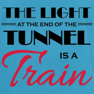 The light at the end of the tunnel is a train Sportsklær - Pustende T-skjorte for menn