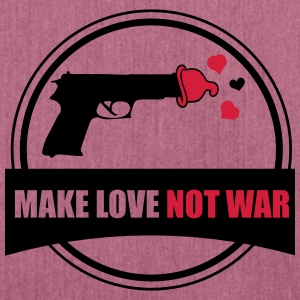 T-shirt Hippie Make Love Not War - Axelväska av återvinningsmaterial