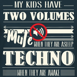 Two Volumes Techno Pullover & Hoodies - Männer T-Shirt