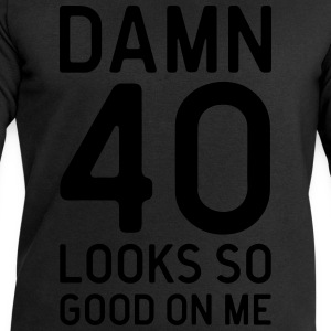 40 Looks Good Birthday Quote Kookschorten - Mannen sweatshirt van Stanley & Stella