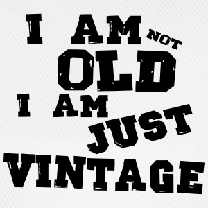 i am not old i am just vintage - Casquette classique