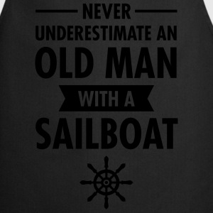 Never Underestimate An Old Man With A Sailboat T-shirts - Förkläde