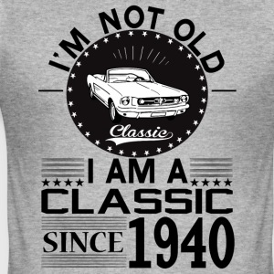 Classic since 1940 Hoodies & Sweatshirts - Men's Slim Fit T-Shirt