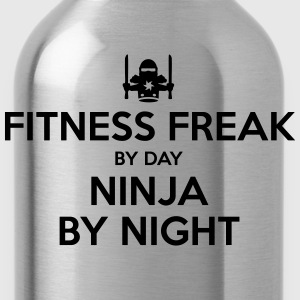 fitness freak day ninja by night - Water Bottle