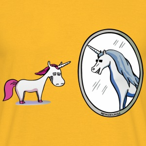 Unicorn in front of mirror  Tops - Mannen T-shirt