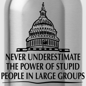 TRUMP: Stupid People in Large Groups Pullover & Hoodies - Trinkflasche