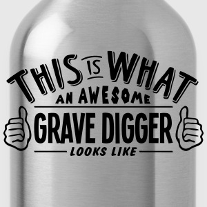 awesome grave digger looks like pro desi - Water Bottle