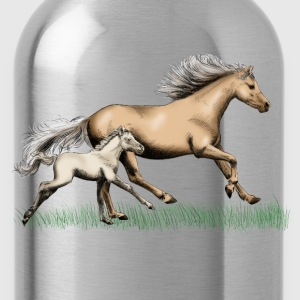 Mare with foal T-Shirts - Water Bottle