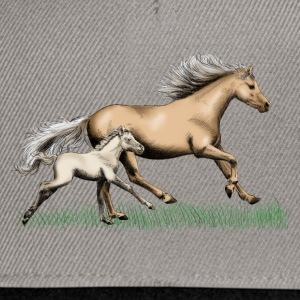 Mare with foal T-shirts - Snapback Cap