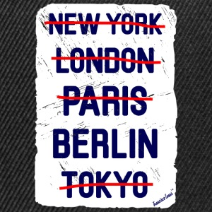 NY London Berlin..., Francisco Evans ™ T-skjorter - Snapback-caps