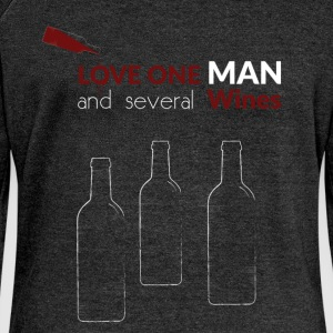 Love one man and several wines - Women's Boat Neck Long Sleeve Top
