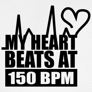 My heart beats at 150 BPM Hoodies & Sweatshirts - Baseball Cap
