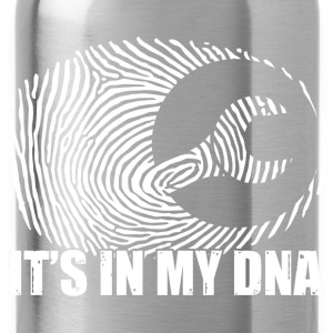 Mechaniker: It's in my DNA Shirts - Water Bottle