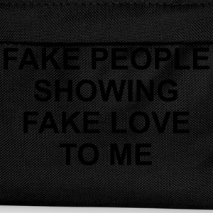 Fake people showing fake love to me T-skjorter - Ryggsekk for barn