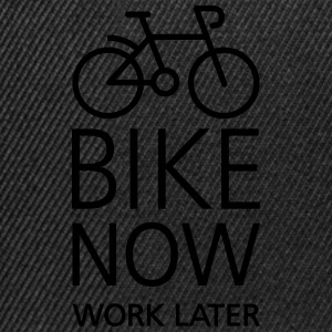 Bike now work later Tee shirts - Casquette snapback