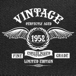 Vintage Perfectly Aged 1952 T-Shirts - Snapback Cap