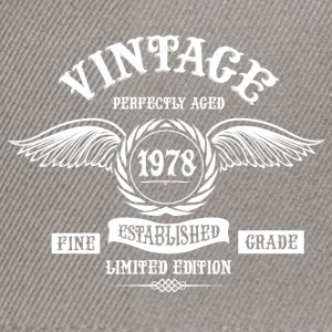 Vintage Perfectly Aged 1978 T-Shirts - Snapback Cap