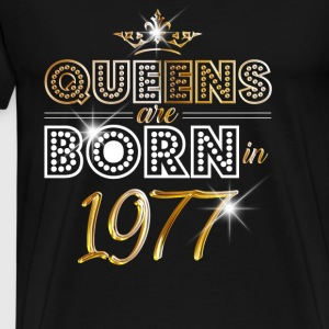 1977 - Birthday - Queen - Gold - EN Tops - Men's Premium T-Shirt