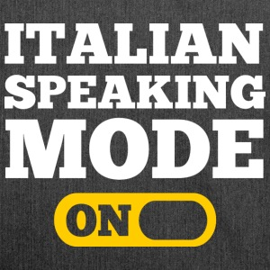 Italian speaking mode on  T-Shirts - Schultertasche aus Recycling-Material