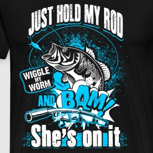 She is on it - Fishing Sweaters - Mannen Premium T-shirt
