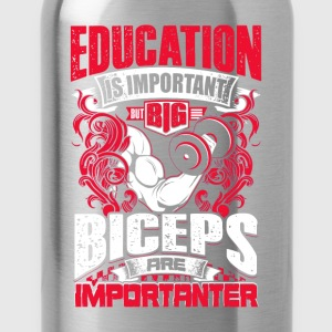 Biceps Are Importanter - red - Workout - EN T-shirts - Vattenflaska