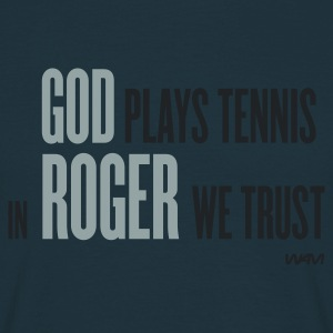 Navy god plays tennis in Roger we trust by wam Sweaters - Mannen T-shirt