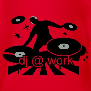 Red DJ at work Kids' Shirts - Organic Short-sleeved Baby Bodysuit
