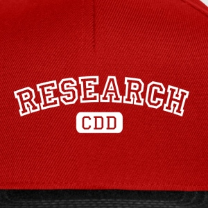 Rouge burgundy Research CDD blanc T-shirts - Casquette snapback