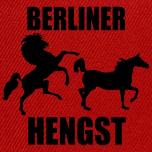 Berliner Hengst Männer Tshirt by Individual Couture - Snapback Cap