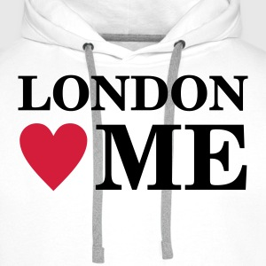 London Loves Me t-shirt! - Men's Premium Hoodie