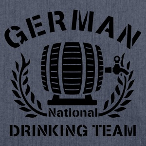 GERMAN NATIONAL DRINKING TEAM - Schultertasche aus Recycling-Material