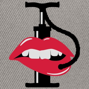 pump up lips | Lippen aufspritzen T-Shirts - Snapback cap