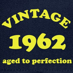 Vintage 1962 aged to perfection - Snapback cap