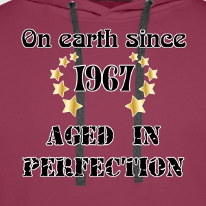 on earth since 1967 Tee shirts - Sweat-shirt à capuche Premium pour hommes