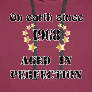 on earth since 1968 Tee shirts - Sweat-shirt à capuche Premium pour hommes