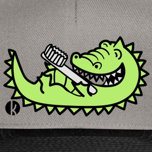 Krokodil mit Zahnbürste - Crocodile with Toothbrush T-shirts - Snapback cap