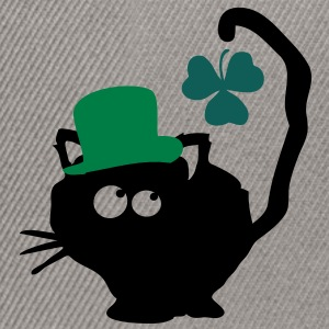 Cat in green hat lucky charm st.Patrick's day Clas - Snapback Cap