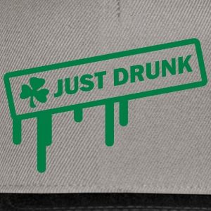 st. patrick´s day - just drunk T-Shirts - Snapback Cap