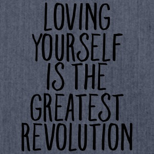 Loving Yourself Is The Greatest Revolution T-shirts - Skuldertaske af recycling-material